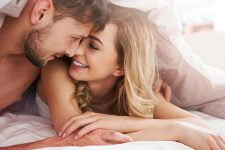 5 cách hư của vợ trên giường khiến chàng say mê không rời