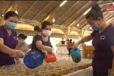 Mỗi ngày nấu 1.300 suất ăn miễn phí cho bệnh viện đang phong tỏa